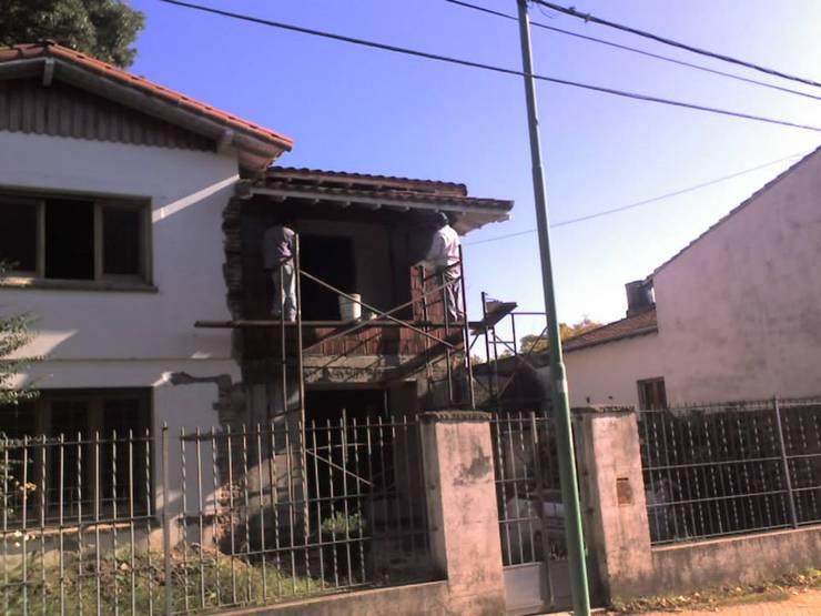 Casas de estilo  por ReformArq - Casas, reformas y ampliaciones