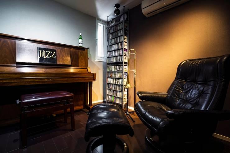 音楽好きな家族の防音室がある圧倒的な開放感の住まい: QUALIAが手掛けた和室です。