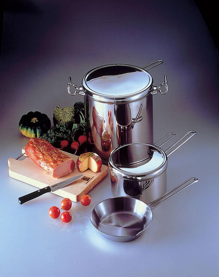 クックパルコレクション: モノプロデザイナーズが手掛けたキッチンです。,