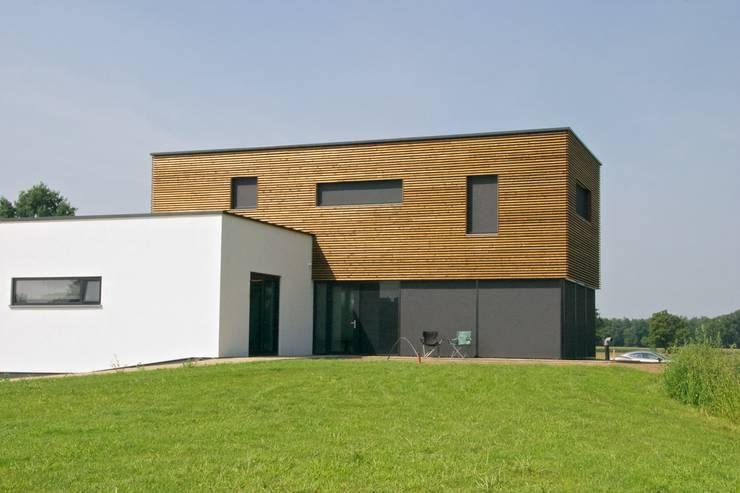 Prachtige villa op bijzonder landgoed in De Achterhoek:  Huizen door ARX architecten