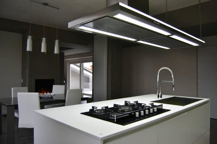 Cocinas de estilo  por LTAB/LAB STUDIO