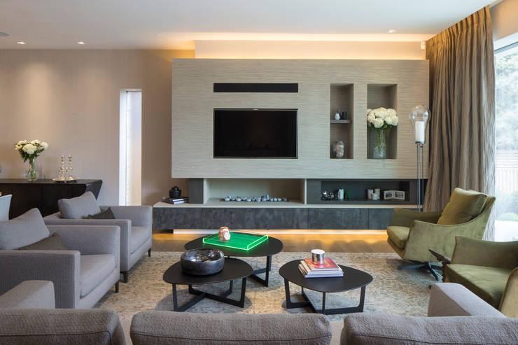 KSR Architects | Hampstead Village Home | Living room: modern Living room by KSR Architects