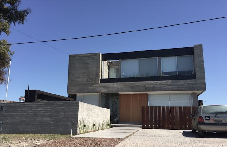Casa Q: Casas de estilo  por Felipe Gonzalez Arzac