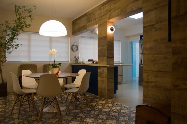 Cocinas de estilo  de arquiteta aclaene de mello, Moderno