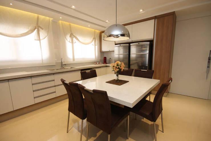 Cozinha - Vista 2: Cozinhas  por Daniela Hescheles Arquitetura