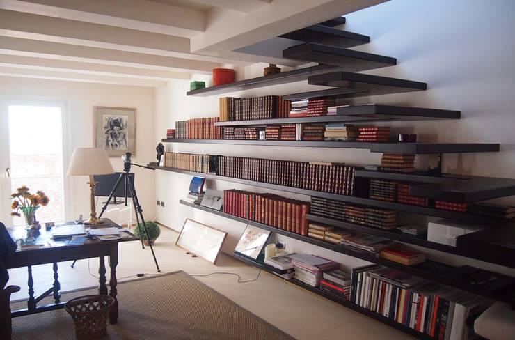Oficinas de estilo  por studi di progettazione riuniti