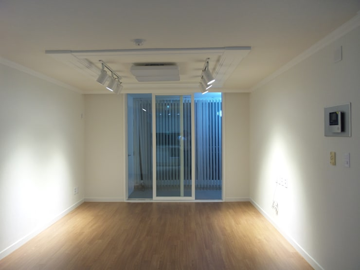 상봉 LG쌍용아파트 27PY: 디자인 컴퍼니 에스의  거실
