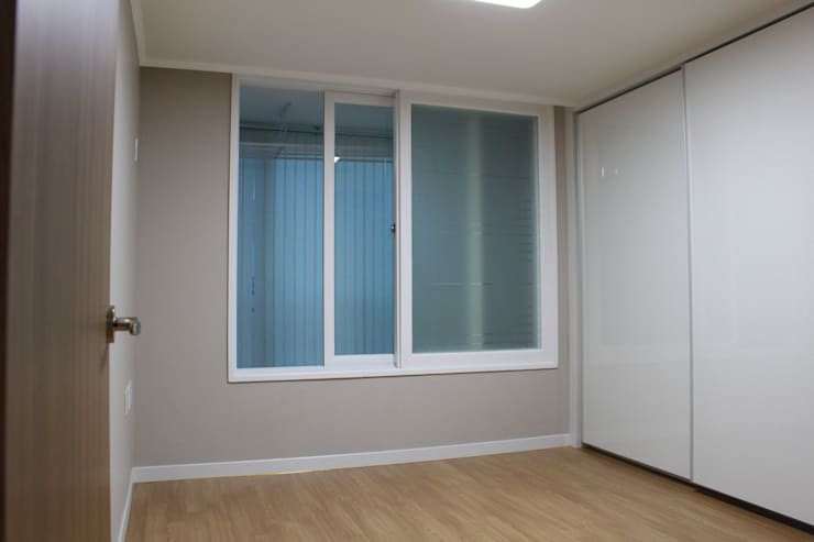 상봉 LG쌍용아파트 27PY: 디자인 컴퍼니 에스의  침실