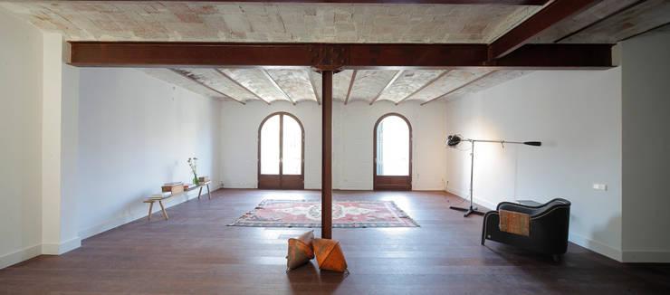 eclectische Eetkamer door Alex Gasca, architects.