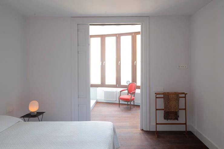 eclectische Slaapkamer door Alex Gasca, architects.