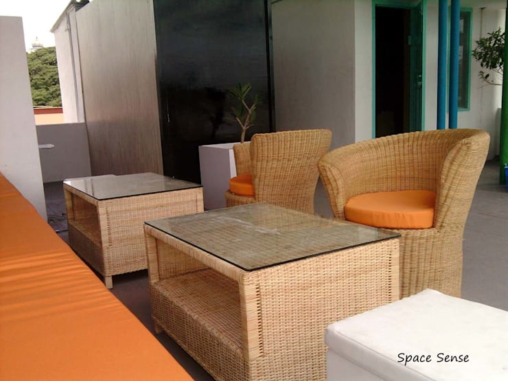 Blitzz Terrace Lounge:  Bars & clubs by Space Sense