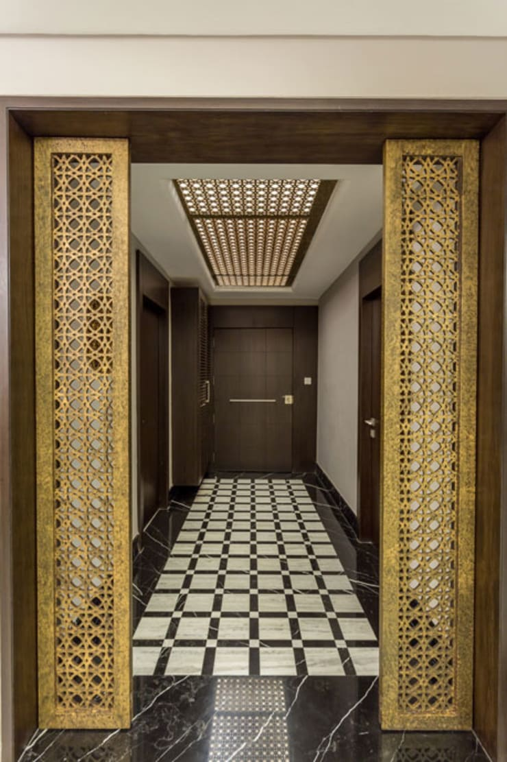 Kumar Residence:  Corridor & hallway by Spaces and Design