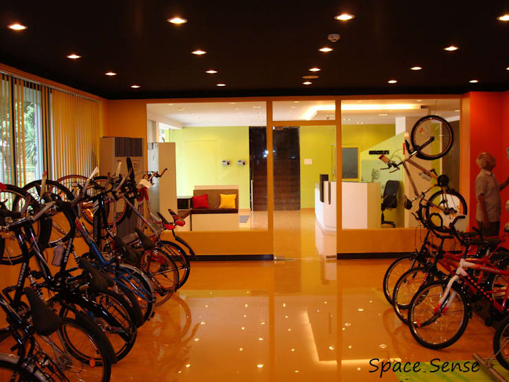 TI cycles corporate office:  Offices & stores by Space Sense