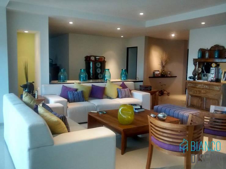 Sala 1: Salas de estilo  por Bianco  Diseño