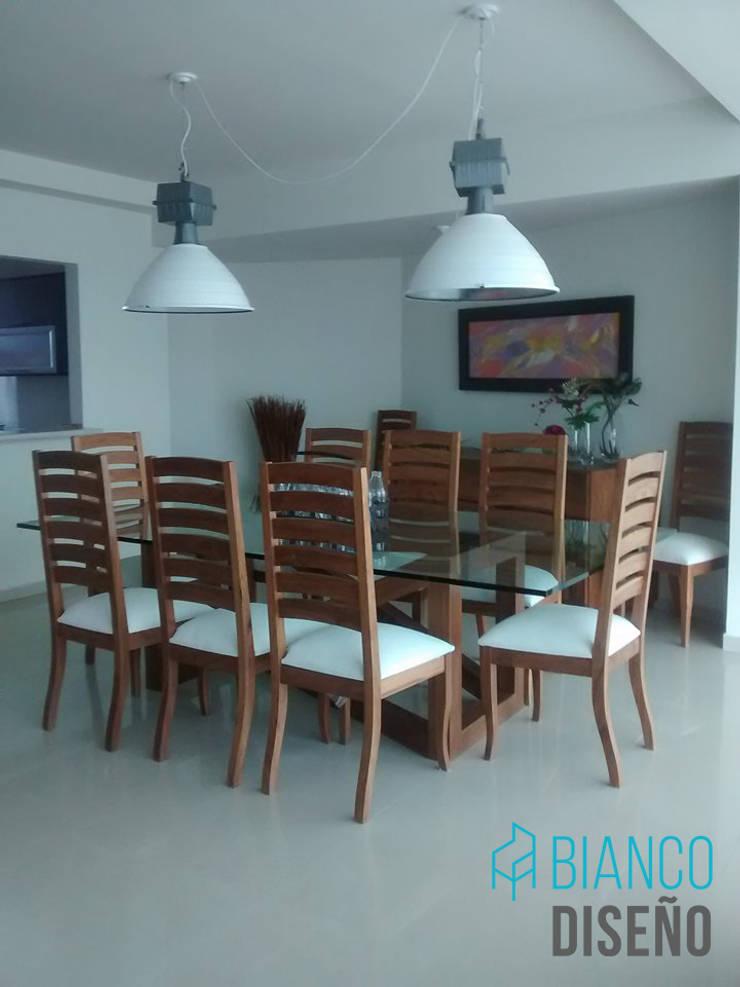 Comedor 2: Comedor de estilo  por Bianco  Diseño