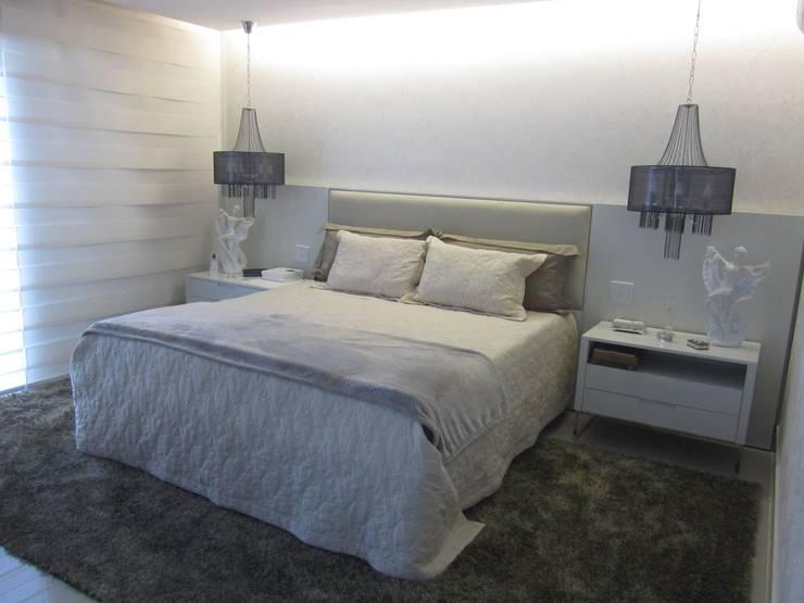 Apartamentos no Edifício Ecoliving: Quartos  por Sandra Kátia Junqueira