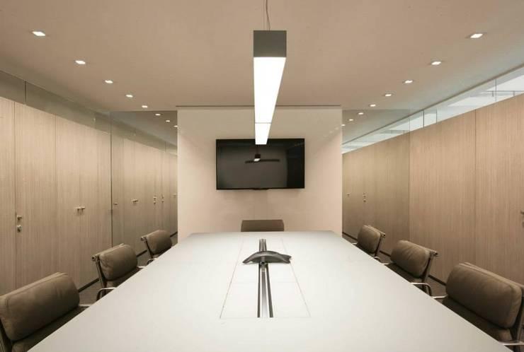 Oficina 28, Torre Credicard: Oficinas de estilo  por PA - Puchetti Arquitectos