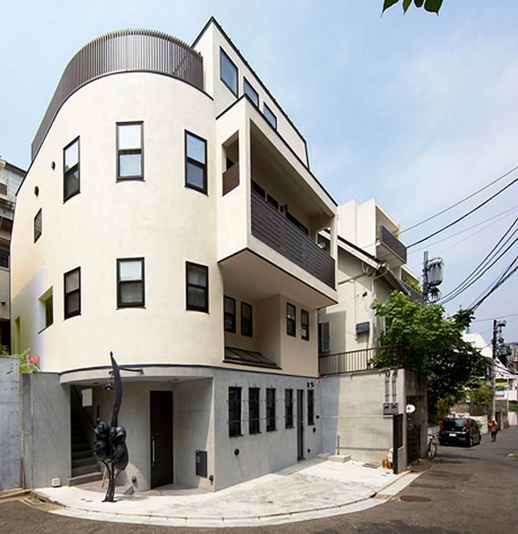 2+3の家: 一級建築士事務所あとりえが手掛けた家です。