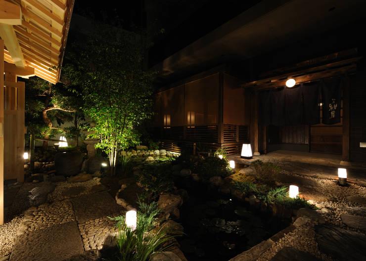 外観: 中川デザイン事務所が手掛けたレストランです。