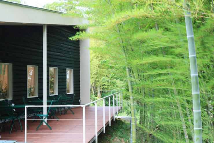 丘の上のレストラン(日本料理レストラン hitachino-ISHIZAKI): 一級建築士事務所あとりえが手掛けた庭です。