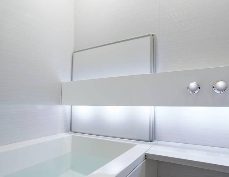 生活感を出さないシステムバスルーム「ORIZZONTE/オリゾンテ」 OZ1616PW: 株式会社 和光製作所が手掛けた洗面所&風呂&トイレです。