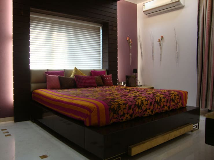 Chowdhary Residence:  Bedroom by Spaces and Design