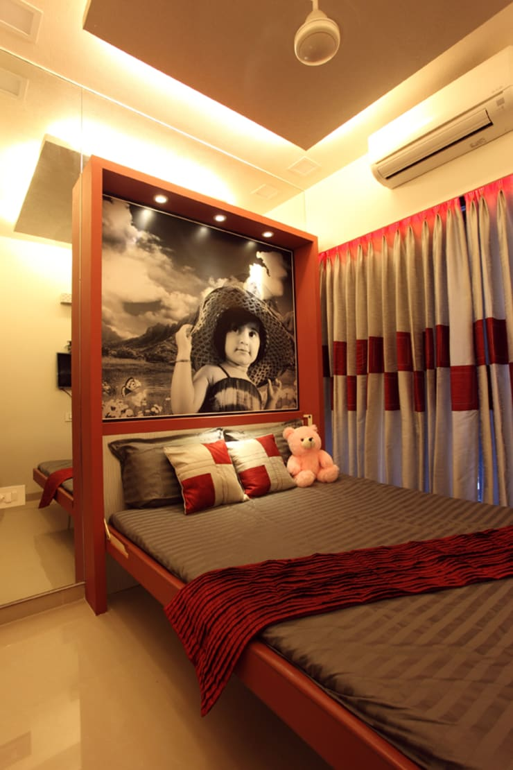 Harish Bhai:  Bedroom by PSQUAREDESIGNS
