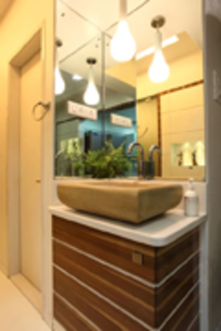 Chaten Disoza:  Bathroom by PSQUAREDESIGNS,Modern