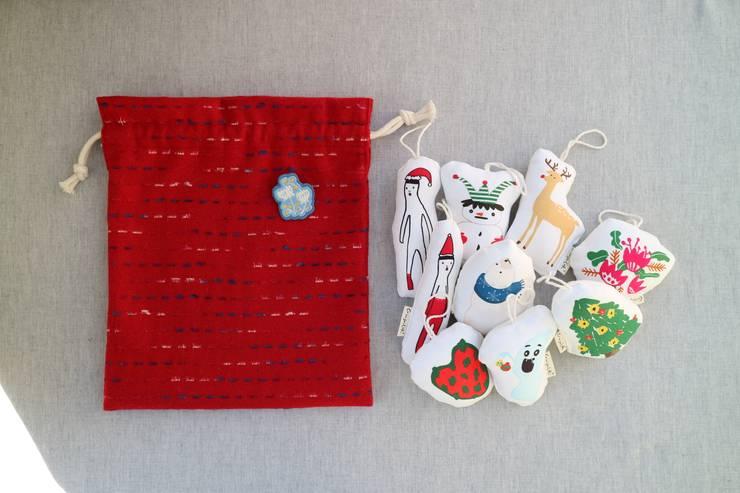 크리스마스 오너먼트 : 크림슨코크의  가정 용품