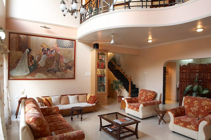 Residential project:  Living room by JPA Tulja Interiors Pvt. Ltd.
