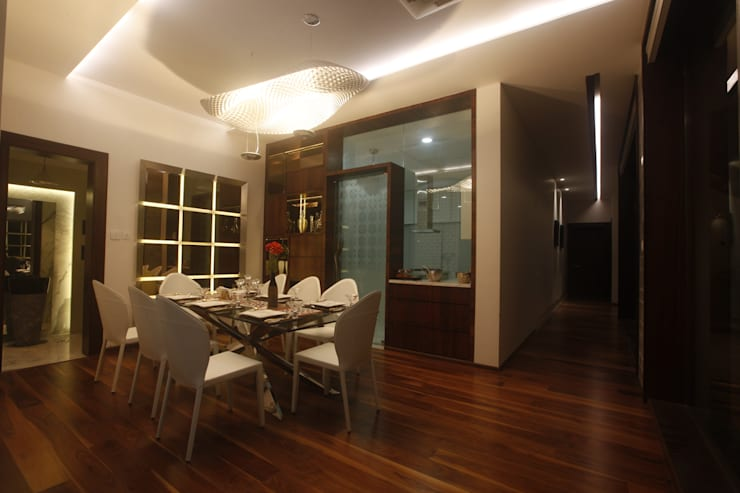 INDRA HIRA:  Dining room by INNERSPACE