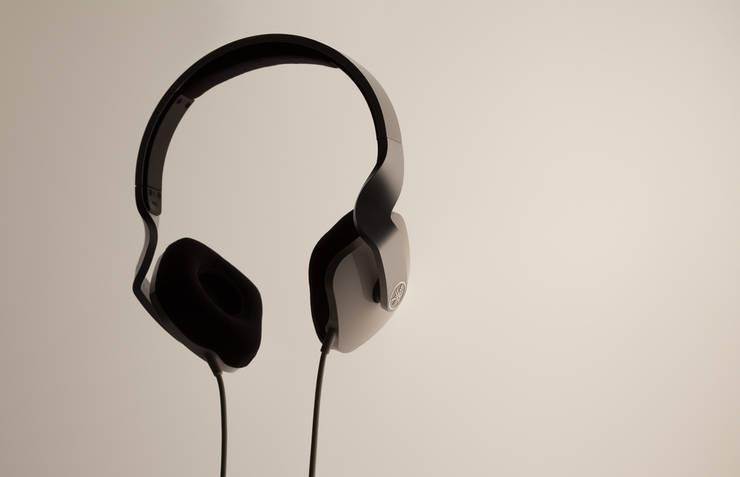 Headphones – YAMAHA: miyake designが手掛けた家庭用品です。,