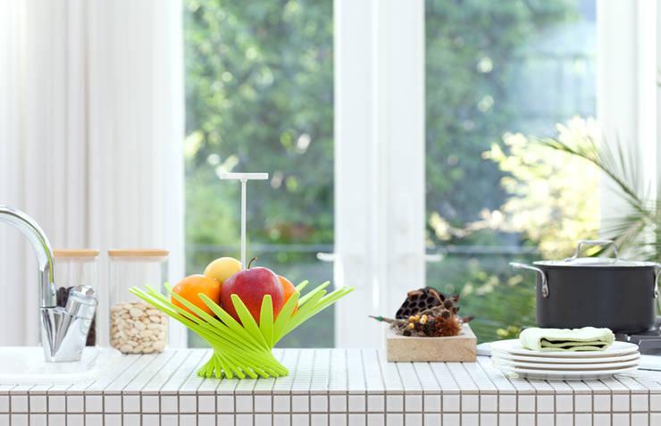 Basket - Daydo: miyake designが手掛けた家庭用品です。