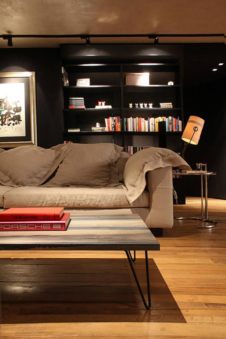 AL.Casa Branca: Salas de estar  por IN - Studio Arquitetura de Interiores