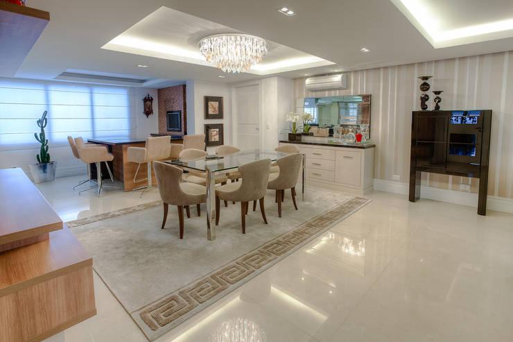 Residência Juvevê: Salas de jantar  por VL Arquitetura e Interiores