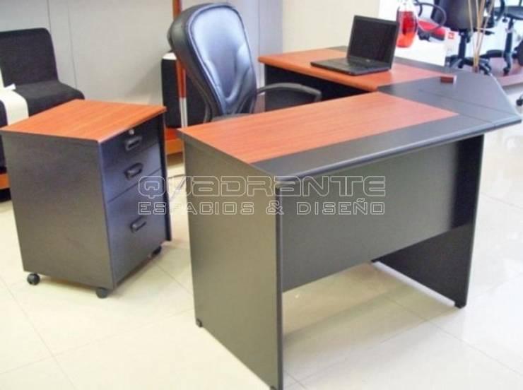 Escritorio gerencial clásico: Oficinas y tiendas de estilo  por Quadrante Espacios y Diseño Ltda