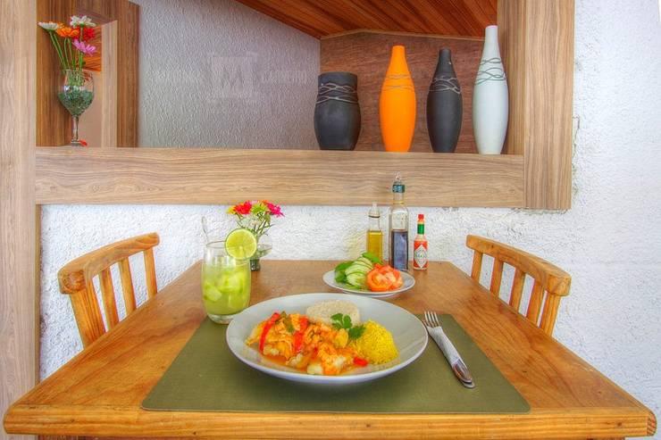 Braseléa Café Bar: Espaços gastronômicos  por iS arquitetura