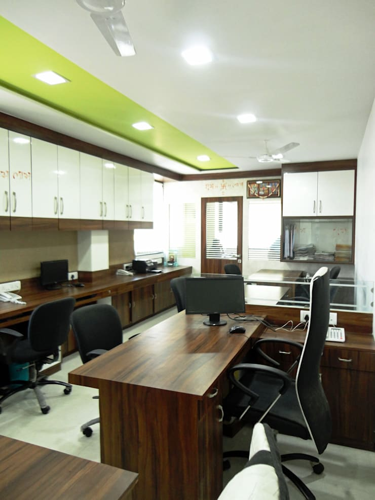 Office: minimalistic Study/office by SNEHA MOHTA