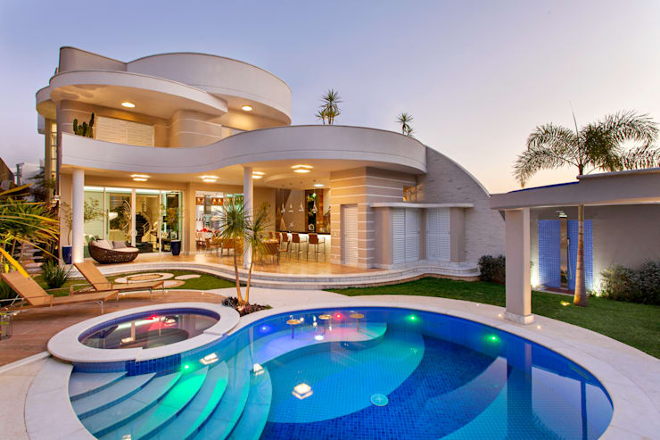 Rumah by Arquiteto Aquiles Nícolas Kílaris