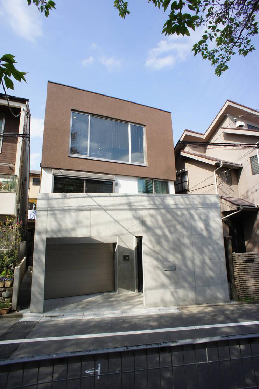 外観正面: 東章司建築研究所が手掛けた家です。,