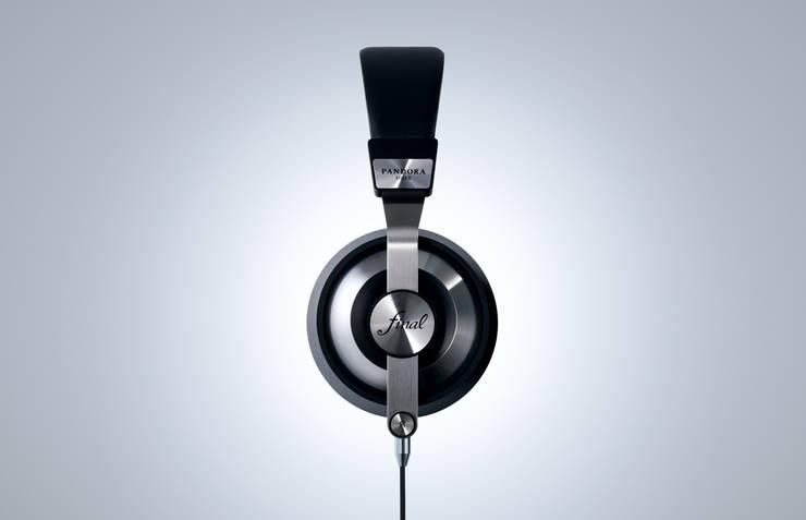 Headphones - Final: miyake designが手掛けた家庭用品です。,