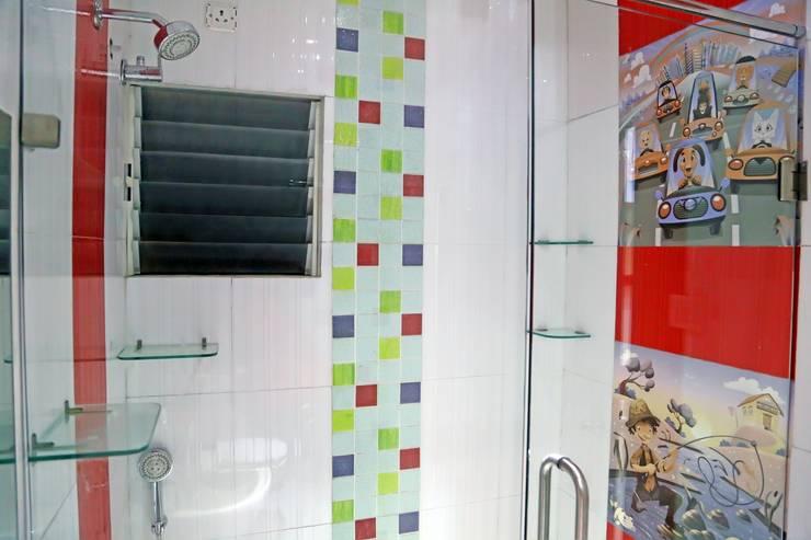 Kids Room Bathroom:  Bathroom by ZEAL Arch Designs