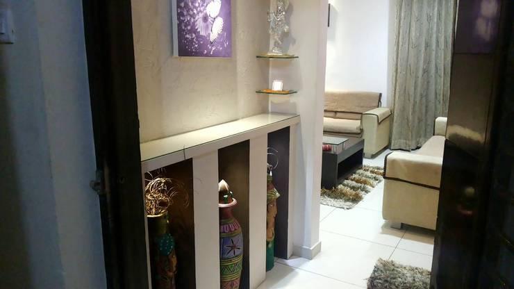 Foyer:  Balconies, verandas & terraces  by ZEAL Arch Designs