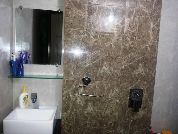 Master bedroom Bathroom:  Bathroom by ZEAL Arch Designs