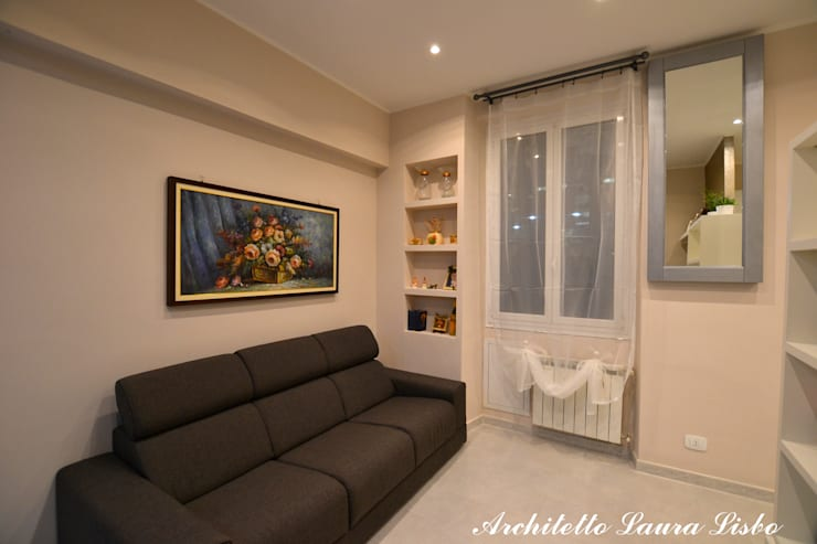 Living room by ARCHITETTO LAURA LISBO