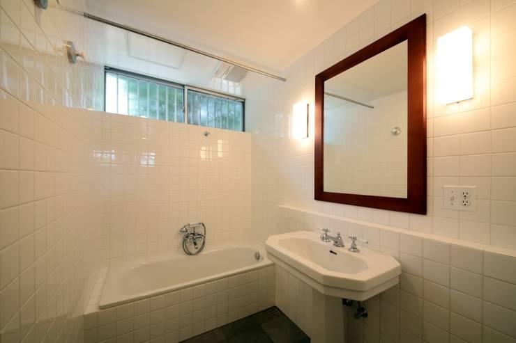 京都南の家: 花屋設計部が手掛けた浴室です。,