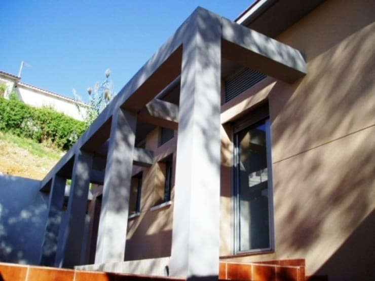fachada interior: Terrazas de estilo  por Oleb Arquitectura & Interiorismo