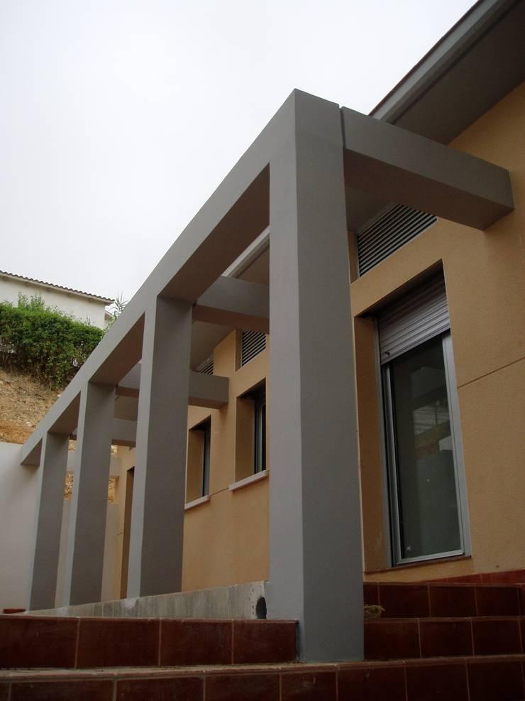 Casa Cubelles 1: Casas de estilo mediterráneo por Oleb Arquitectura & Interiorismo