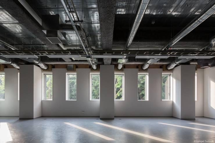 内観:オープンラボ: Ryo MURATA Laboratoryが手掛けた書斎です。