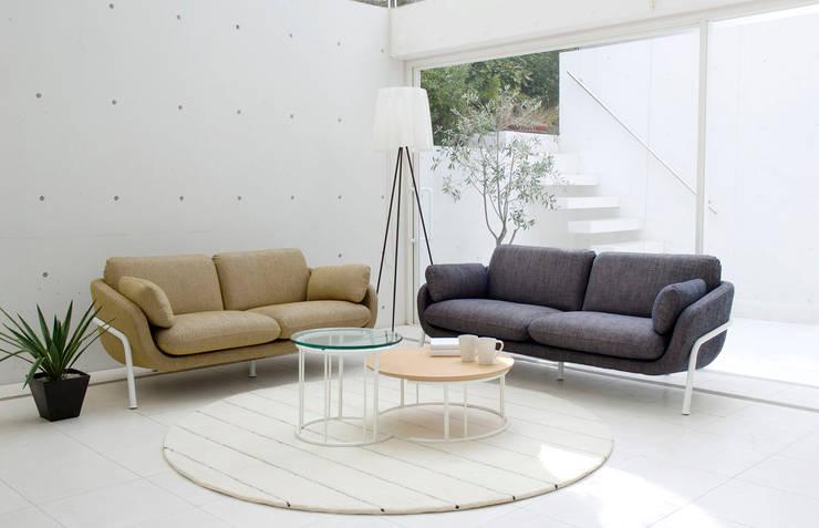 Sofa - HUKULA: miyake designが手掛けたリビングルームです。